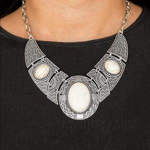 New! Paparazzi Leave Your Landmark White Necklace